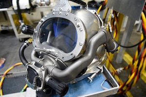 he Office of Naval Research TechSolutions-sponsored MK29 Mixed Gas Rebreather system developed at the Naval Surface Warfare Center Panama City Division undergoes testing at the Naval Experimental Diving Unit in Panama City, Fla.