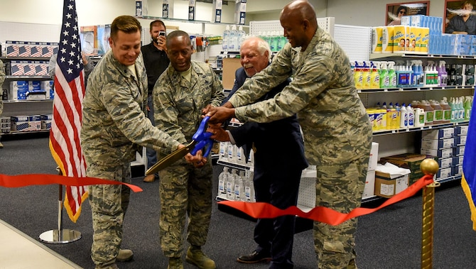 Base Service Center opens