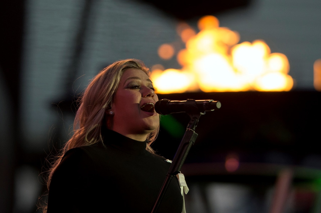 Singer Kelly Clarkson performs during opening ceremonies for the 2018 Warrior Games at the U.S. Air Force Academy in Colorado Springs, Colo., June 2, 2018. DoD photo by EJ Hersom