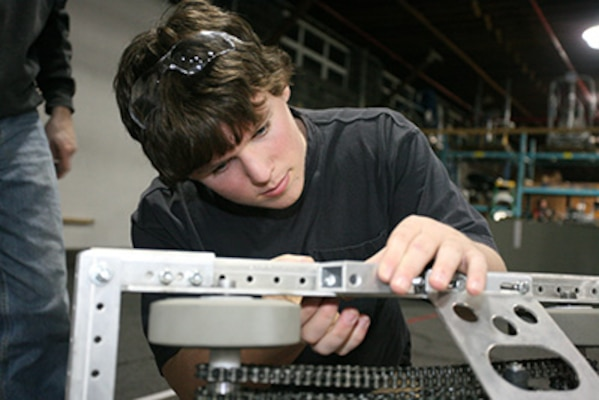 NUWC Newport employees recall how STEM programs led to engineering careers