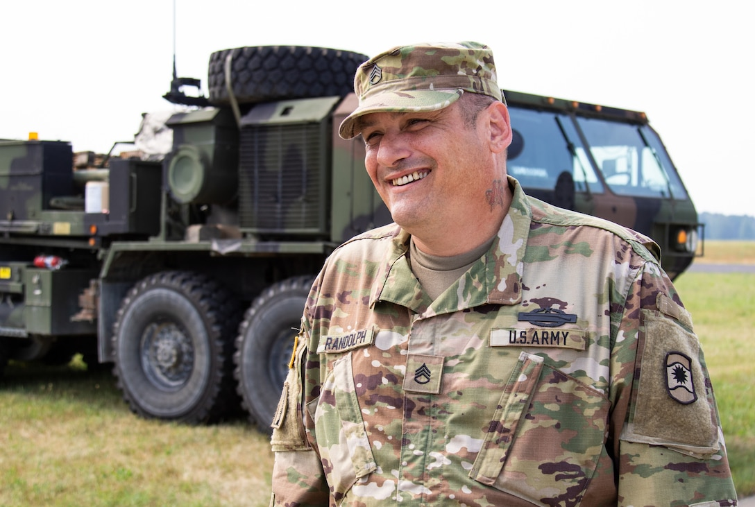 Army Reserve transportation coordinators keep troops moving during Saber Strike 18