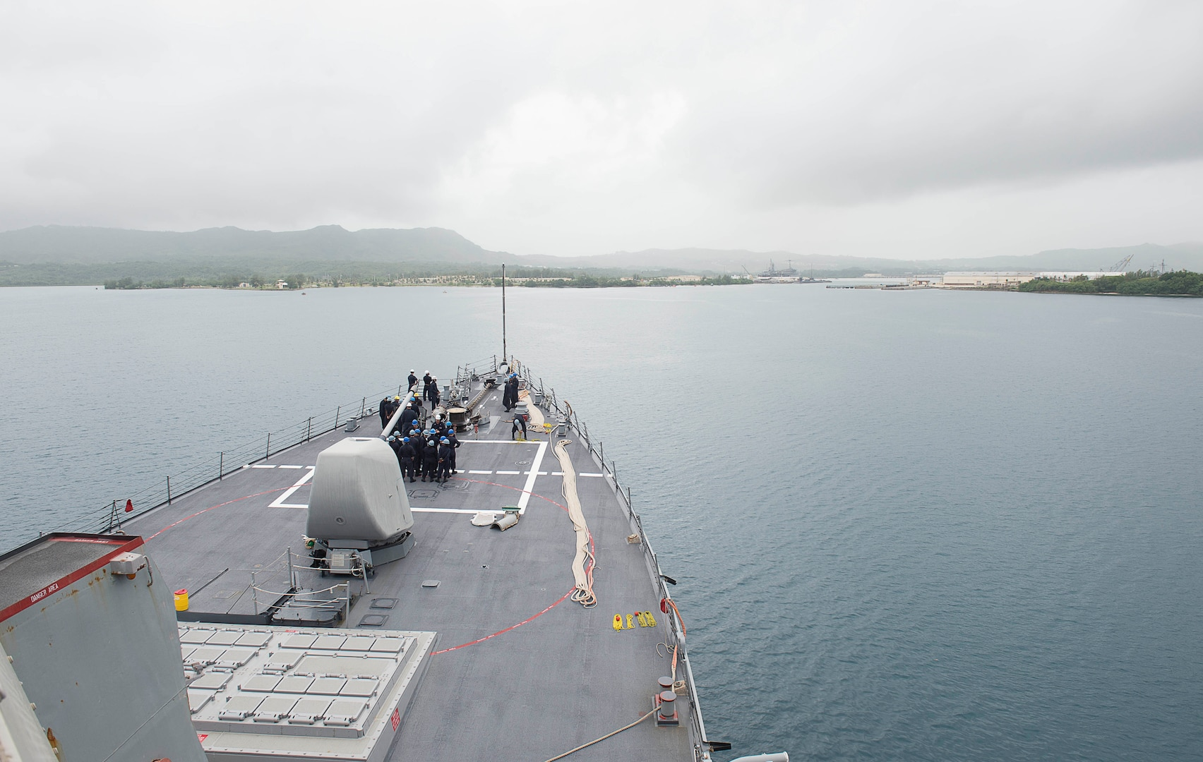 Benfold Arrives in Guam