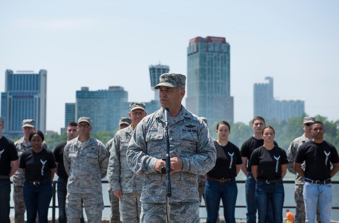 Mass enlistment ceremony held at Niagara Falls