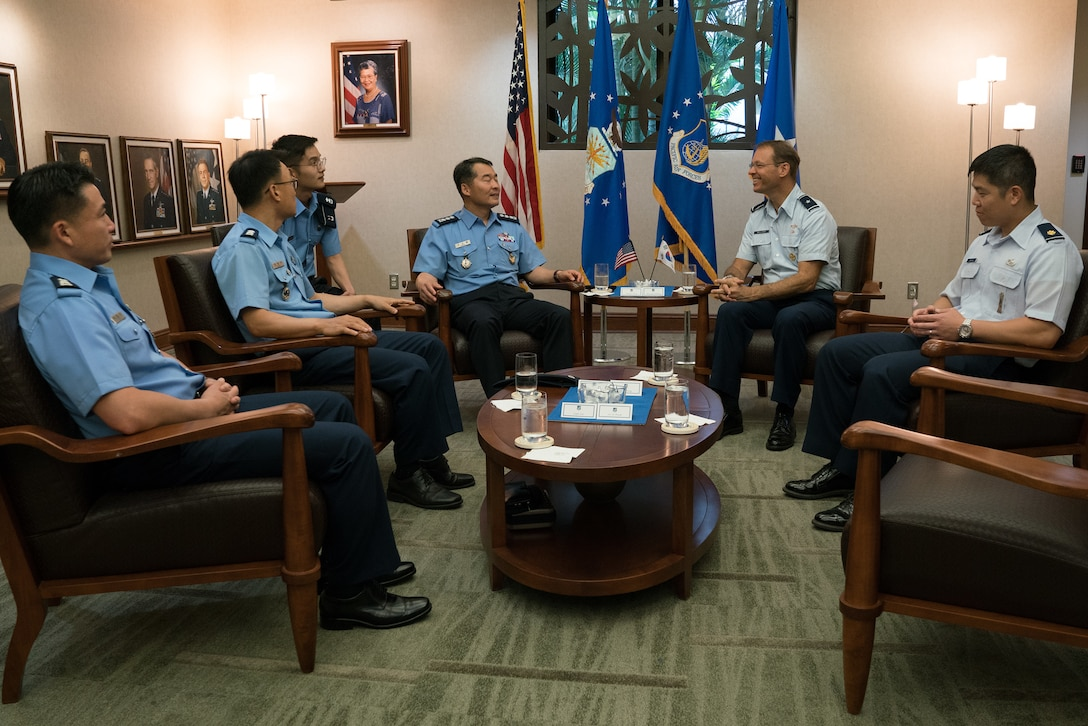 Republic of Korea Air Force (ROKAF) and U.S. Air Force Pacific Air Forces (PACAF) leaders discuss goals of a ROKAF Academy cadet visit to Joint Base Pearl Harbor-Hickam, Hawaii, June 5, 2018. The visit is an opportunity for the cadets to learn how PACAF operates and gain a better understanding of the Indo-Pacific region and the importance of the U.S.-ROK alliance. (U.S. Air Force photo by Staff Sgt. Daniel Robles)