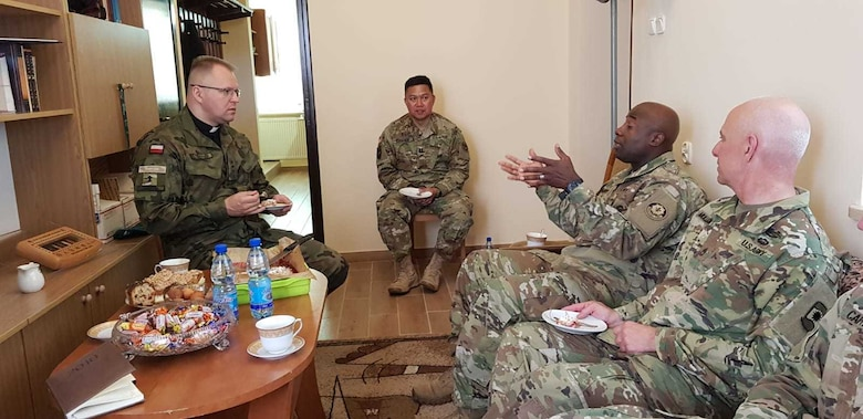 Army Reserve Soldiers build relationship with Polish civil leaders - Saber Strike 18