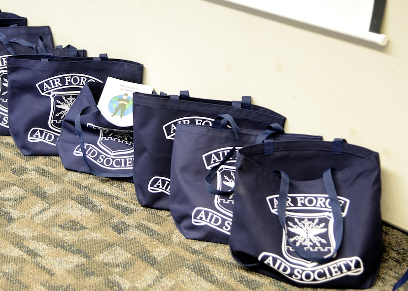 Air Force Aid Society provides new parents who attend the class with a bag containing information and a $50 gift card to start preparing for their new baby. (U.S. Air Force photo by Laura Motes)