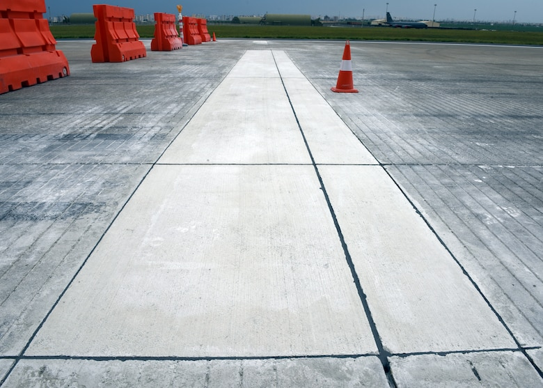 Flying operations on the runway ceased from May 24 to June 2, 2018, in order to complete the necessary repairs .