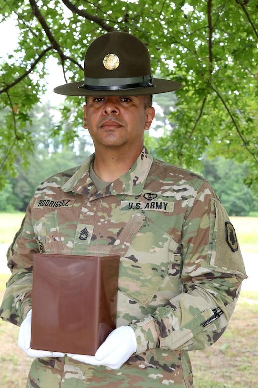 98th Training Division drill sergeant helps find USARC Best Warrior