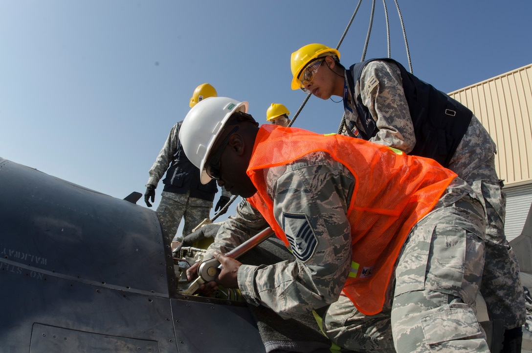 Crash Damaged Disabled Aircraft Recovery Mobile Training Team