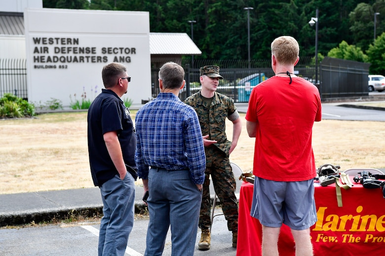 As part of the Employer Support of the Guard and Reserve (ESGR) Bosslift program, civilian employers interact with the U.S. Marine Corps Reserves June 7, 2018.  (U.S. Air National Guard photo by Capt. Colette Muller)