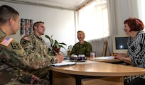 Reserve Soldiers assist Lithuanian civil leaders with crisis management planning – Saber Strike 18