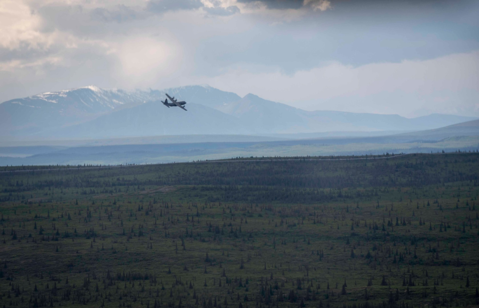 Yokota Airmen provide airlift at Red Flag-Alaska