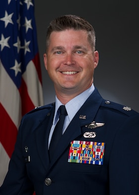 Lt. Col. Scott Stone, 860th AIrcraft Maintenance Squadron commander, poses for an official photo. (Courtesy Photo)