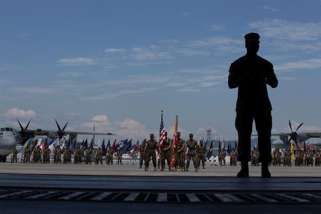 Sgt. Maj. Perez bids VMGR-152 farewell, Sgt. Maj. Tyler takes charge