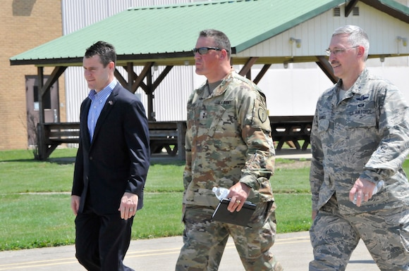 Senator Young of Indiana visits 181st IW