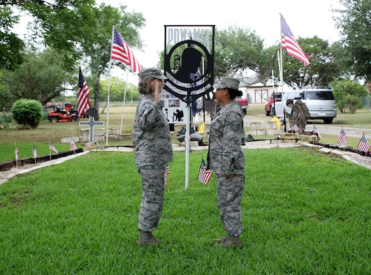 340th FTG major reenlists former teammate