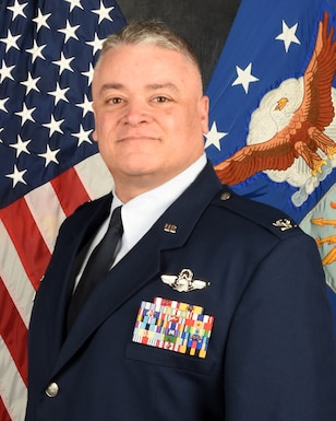 Photo of Col. Ken Eaves, 131st Bomb Wing Commander