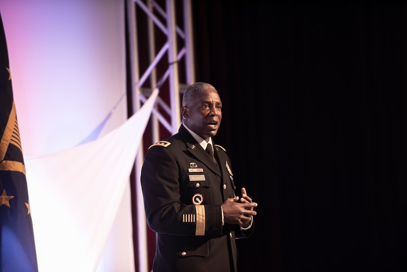 DLA Director Lt. Gen. Williams speaks at 2018 DLA Land and Maritime Supplier Conference