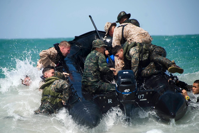 U.S. and Royal Thai marines conduct combat rubber raiding boat operations during Cooperation Afloat Readiness and Training, Pattaya, Thailand, June 15, 2018. Navy photo by Petty Officer 3rd Class Tristin Barth