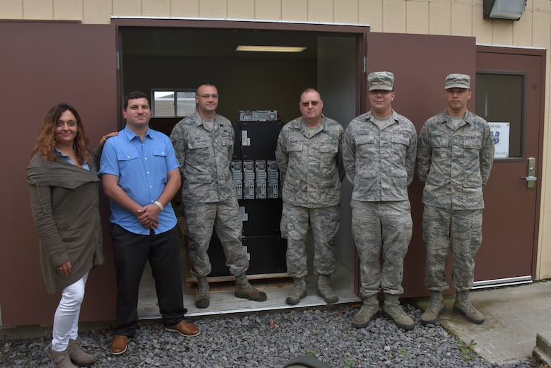 109th AW donates computers to Anderson Center for Autism