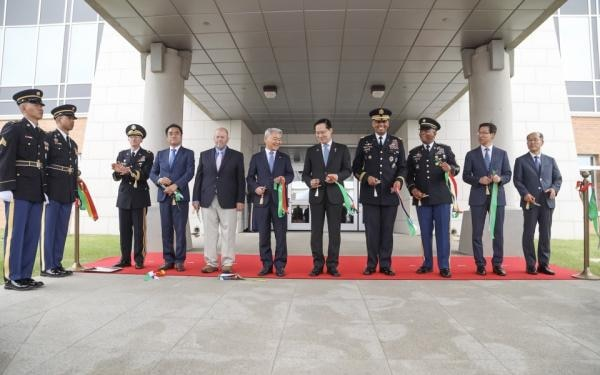 UNC/USFK Commander General Vincent K. Brooks cuts the ribbon to officially open the Vessey Complex, the new headquarters for United Nations Command and U.S. Forces Korea.
