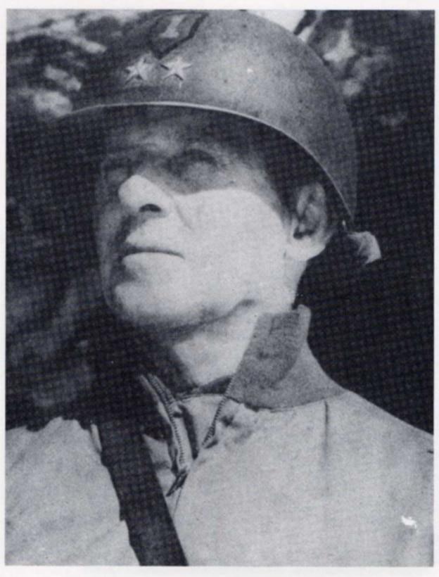 Photo of Lt. Gen. Clarence R. Huebner