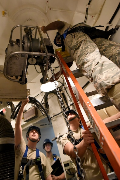 373rd TRS Det. 22 missile maintenance training
