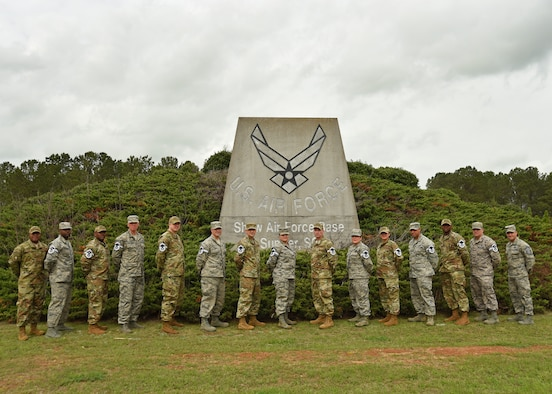 U.S. Air Force master sergeants gather for a group photo following their selection for promotion to senior master sergeant at Shaw Air Force Base, S.C., March 1, 2018.