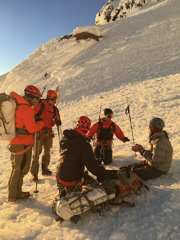 Guardian Angel team rescues climbers on Mount Hood