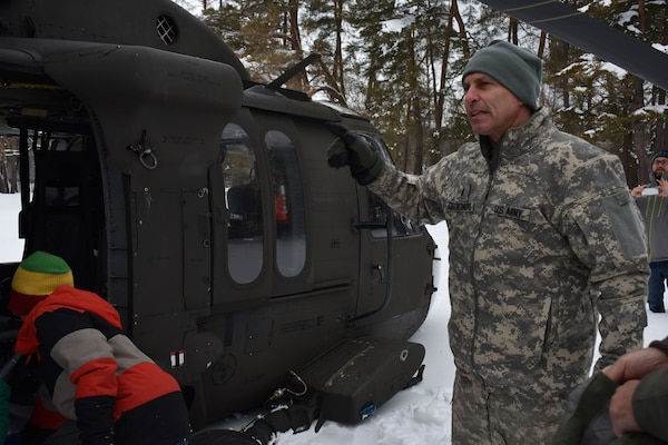 NY Guard unit drills with Arny Reserve unit
