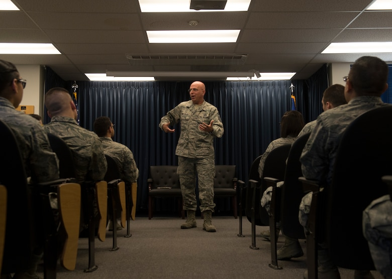 Chief Master Sgt. Alexander Del Valle, command chief of 12th Air Force and Air Forces Southern, talks to Airman Leadership School students Mar. 5, 2017, at Mountain Home Air Force Base, Idaho. Del Valle talked about leadership skills and gave advice to Airmen on how to become better supervisors. (U.S. Air Force photo by Airman 1st Class JaNae Capuno)