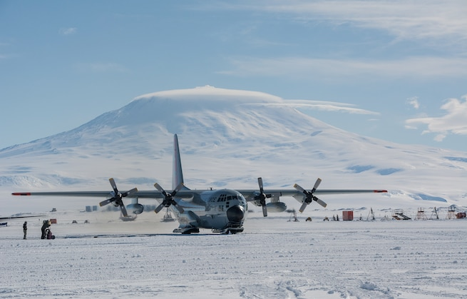 Misawa medic chills in Antarctica, supports Operation Deep Freeze