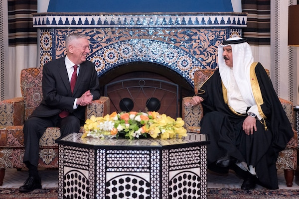Defense Secretary James N. Mattis meets with Bahraini King Hamad bin Isa Al Khalifa while visiting Manana, Bahrain, March 14, 2018. DoD photo by Army Sgt. Amber I. Smith