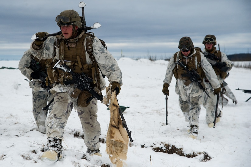 Marines conduct joint live-fire training exercise at Fort Greely, Alaska, March 15, 2018, as part of U.S. Army Alaska–led Joint Force Land Component Command in support of exercise Arctic Edge 18, conducted under authority of U.S. Northern Command (U.S. Air Force/Virginia Lang)