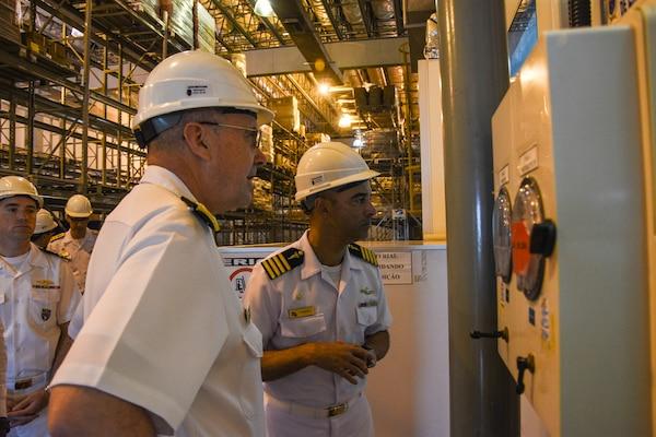 U.S. Navy surgeon general tours the Brazilian Navy Operational Medical Center
