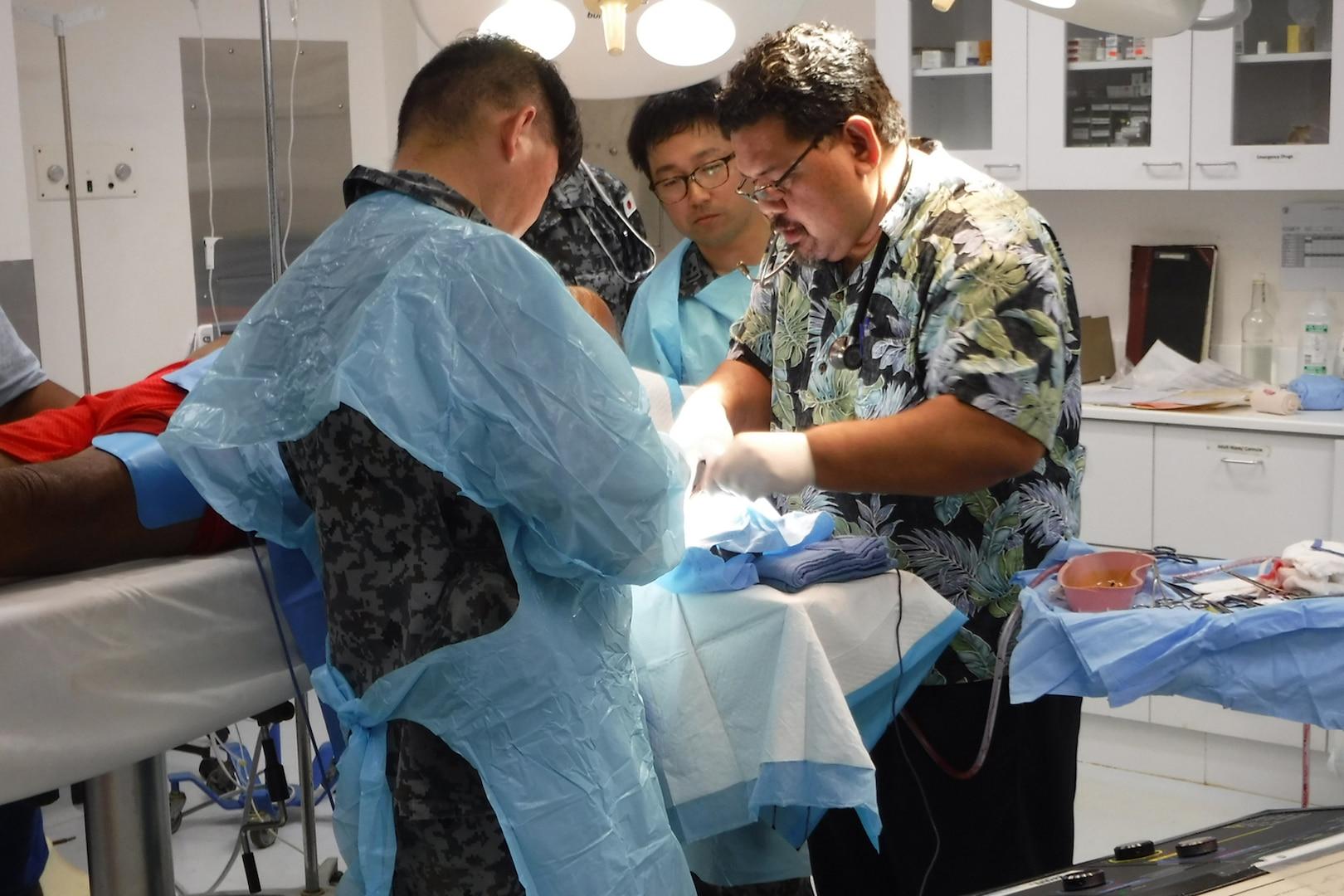 UK, Japan Medical Staff Saves Life in Yap during Pacific Partnership 2018