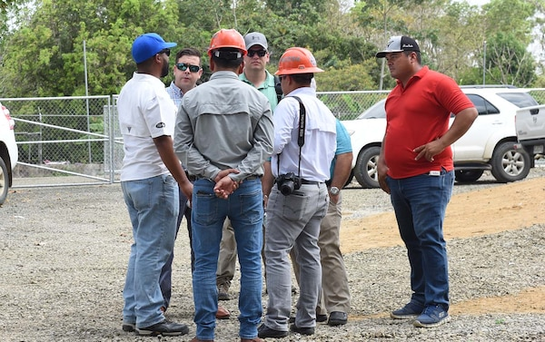 U.S. Air Force contractors have built relationships and negotiated contracts during Exercise New Horizons 2018 in Meteti, Panama, April 20, 2018.