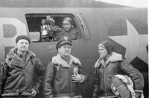 Maj William Wyler (center) with two of his cameramen—William Clothier (right) and William 
