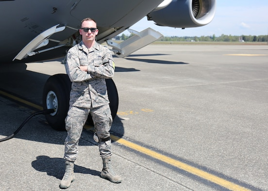 Senior Airman catches aircraft