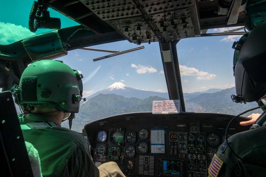 Yokota Airmen team up for airlift surge