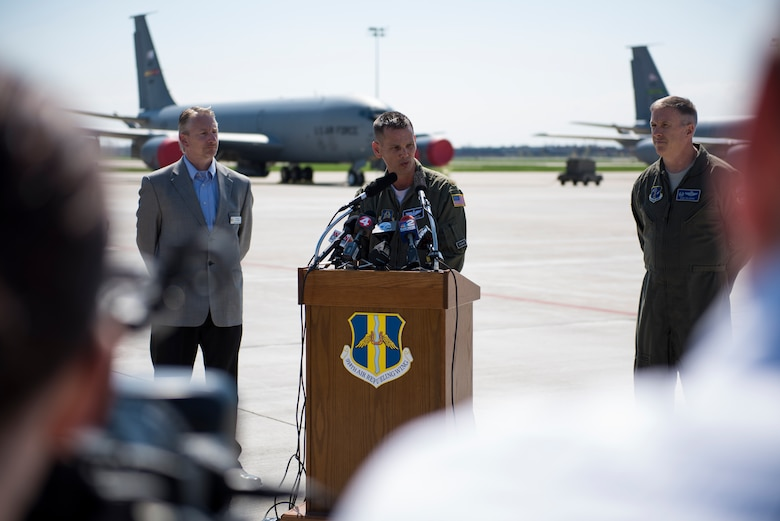 Niagara Falls ARS hosts air show press conference