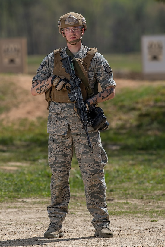 Staff Sgt. Corban Lundborg, assigned to 4th Combat Camera Squadron, one of the competitors of the 2018 SPC Hilda I. Clayton Best Combat Camera Competition at Marine Corps Base Quantico, Va., May 1, 2018. The competition is an annual event open to all branches of the military, it's hosted by the 55th Signal Company (Combat Camera) in order to test the technical and tactical proficiencies of Defense Department combat photographers. (U.S. Army photo by Staff Sgt. Pablo N. Piedra)