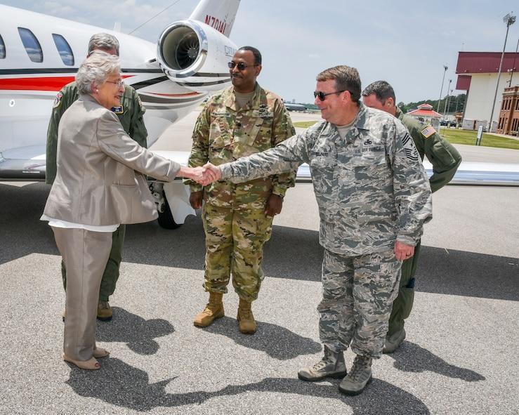 Alabama Governor Visits 117 ARW