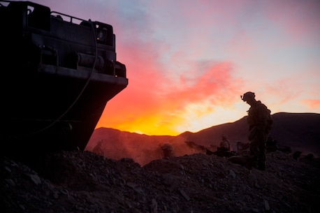U.S. Marines with 3rd Battalion, 7th Marine Regiment, 1st Marine Division, dig fighting holes during a Marine Corps Combat Readiness Evaluation (MCCRE) at Marine Corps Air Ground Combat Center Twentynine Palms, Calif., Nov. 29, 2017.