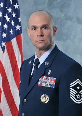 official photo of SMSgt. Richard Hardin