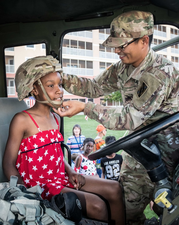 With Honor and Hospitality: 143d ESC supports Military Appreciation Weekend at Westgate Resort