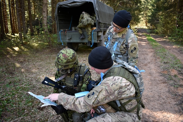 Estonian Defense Force personnel from 2nd brigade conduct recon and react to contact missions May 6, 2018, during Exercise Hedgehog in Southern Estonia. Soldiers from the Maryland National Guard 629th Expeditionary Military Intelligence Battalion worked as observers and controllers for the EDF.