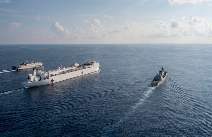 USNS Mercy, Brunswick conduct passing exercise with HMCS Vancouver