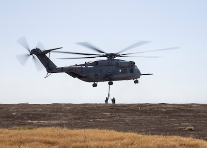 HMH-462 CH-53 External Lift Operation