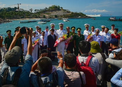 SNS Mercy arrives in Vietnam for Pacific Partnership